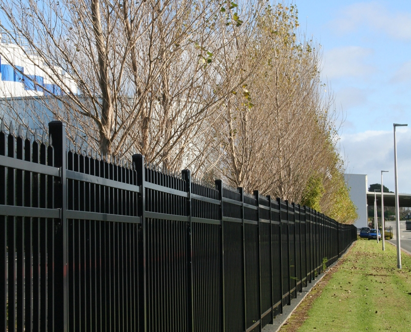 Image of a sliding gate at Sistema plastics installed by Fencerite