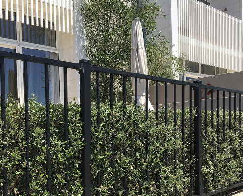 Image showing a Residential Aluminium Landscape Fencing surrounding units